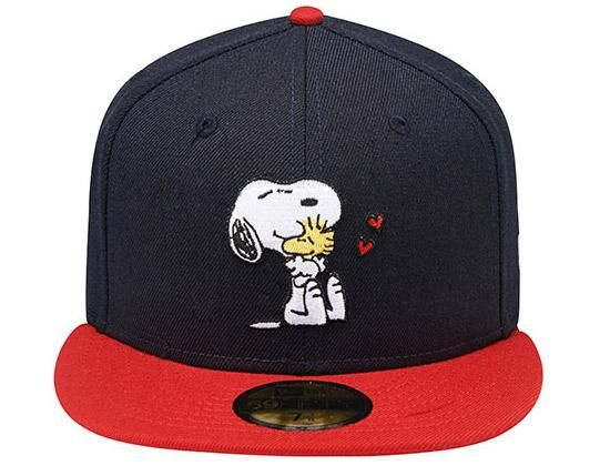 88f9c59639e Snoopy Woodstock Hug 59Fifty Fitted Cap by NEW ERA x PEANUTS ...
