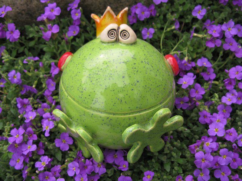 gartenkugeln stelen rosenkugel frosch frooosch ein designerst ck von fischerkunterbunt. Black Bedroom Furniture Sets. Home Design Ideas