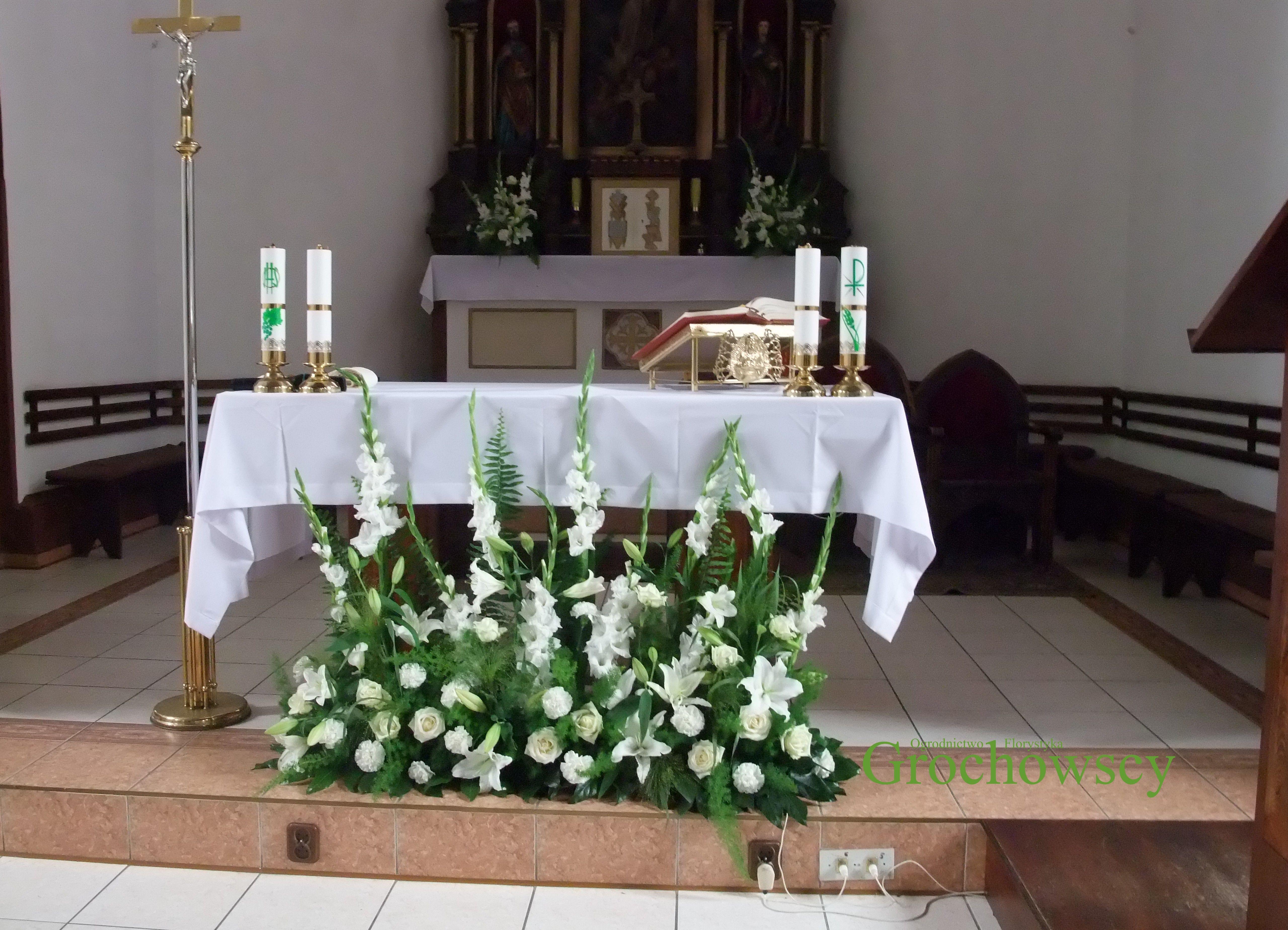 Dekoracja Kosciola Na Slub Czluchow Debrzno Dekoracja Oltarza Table Decorations Church Flowers Decor