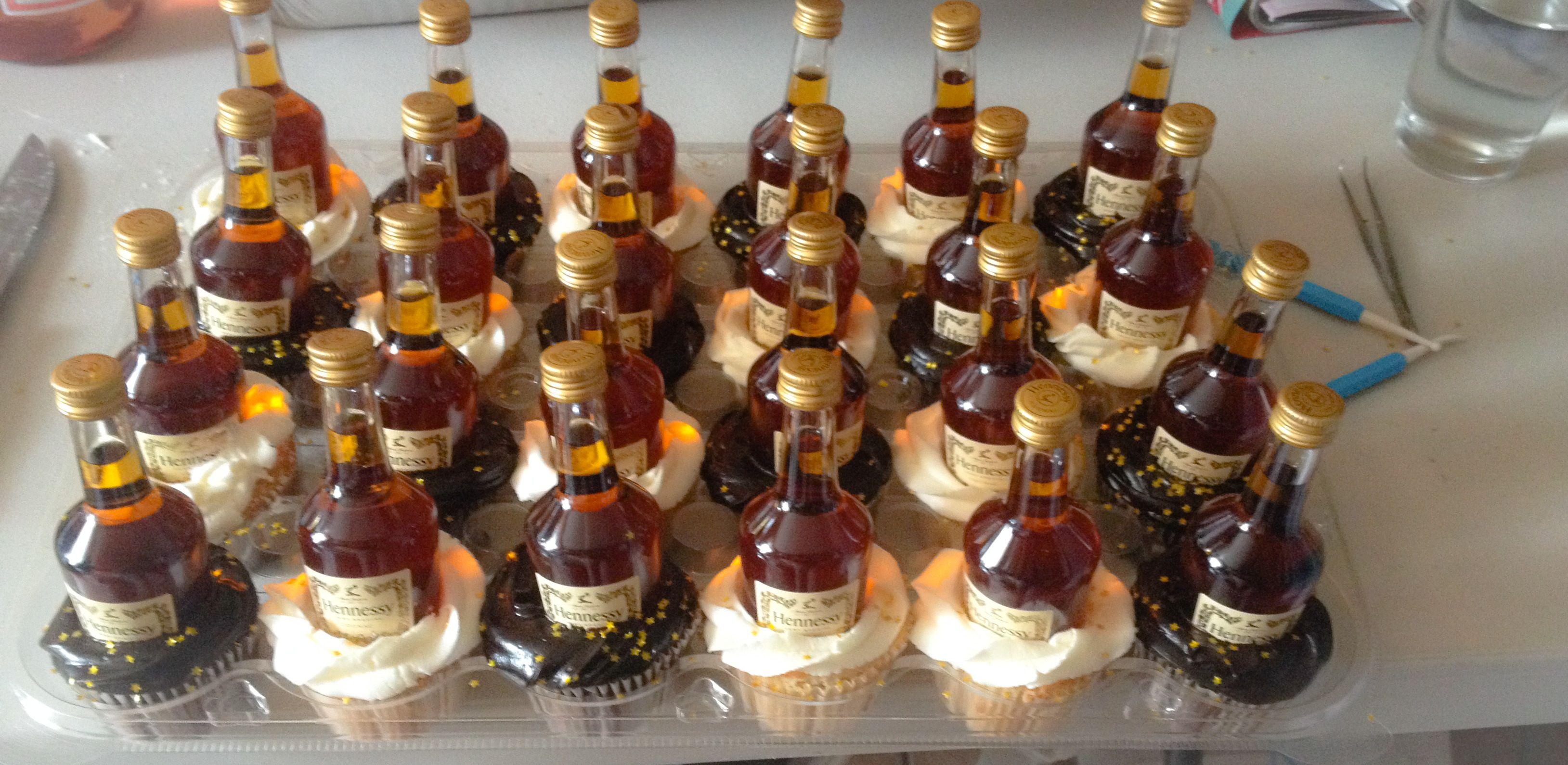 Hennessy cupcakes chocolatecupcakes vanillacupcakes birthday hennycakes