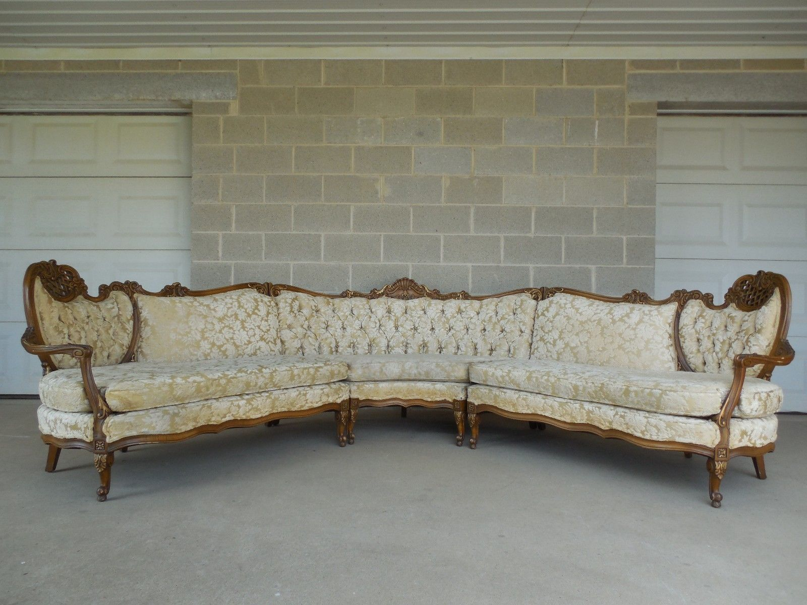 Vintage High Quality French Provincial Tufted Upholstery Corner 3