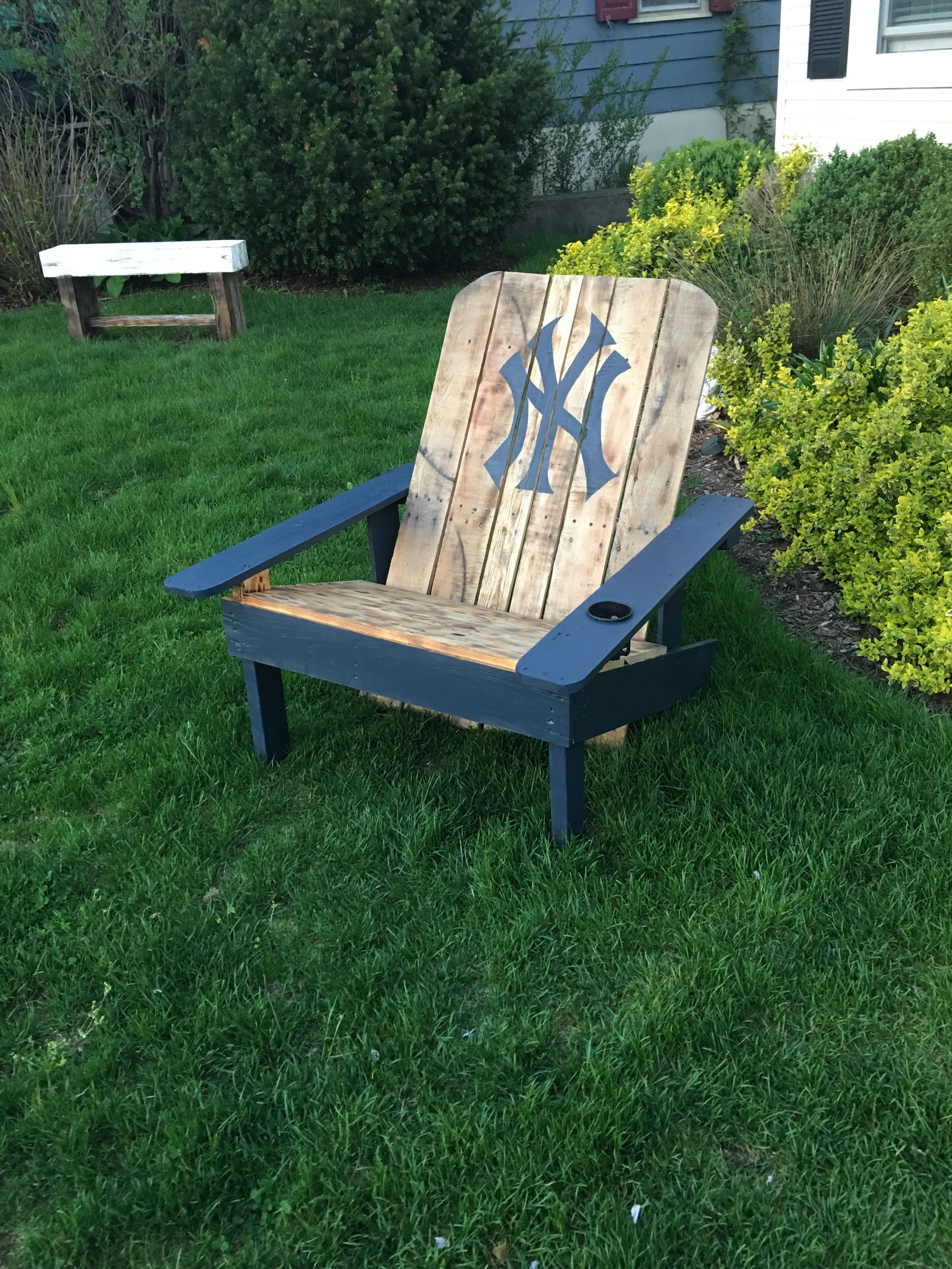 New York Yankees Pallet Adirondack Chair Wood Pallets Pallet Pictures Yankee Room