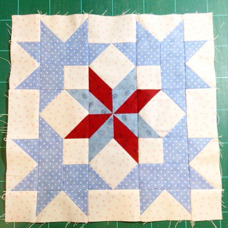 Carpenters wheel block for underground railroad quilt ... : railroad quilt block - Adamdwight.com