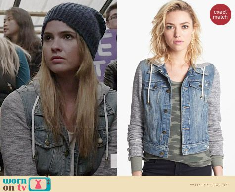 ed99c8c7d5 Malia s denim jacket with grey sleeves on Teen Wolf. Outfit Details  http