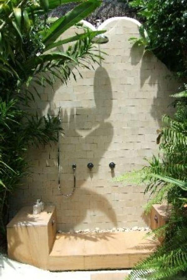 Le modèle de salle de bain extérieur- pureté pour l'esprit et le corp - modèle-de-salle-de-bain-douche
