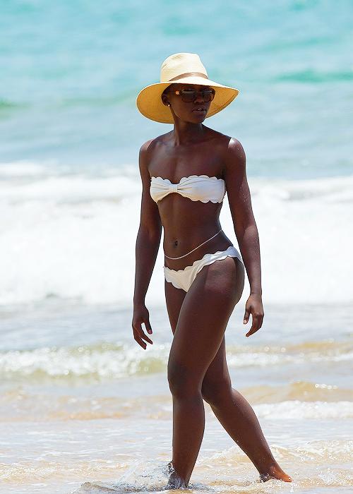 Black women in hawaii