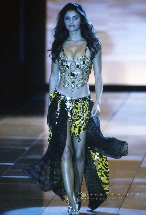 supermodelshrine:    Helena for Gianni Versace, s/s 1992