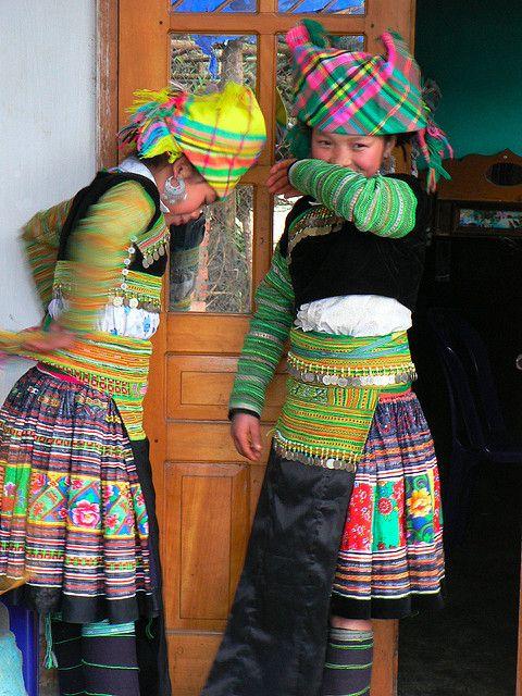 Hmong girls, Trạm Tấu
