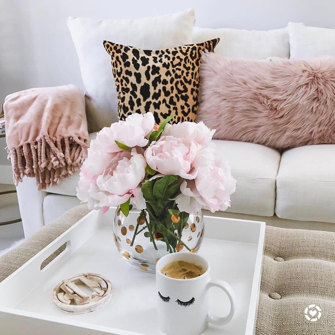 """18.8 mil Me gusta, 86 comentarios - LIKEtoKNOW.it (@liketoknow.it) en Instagram: """"Eyelash mug and pops of pastel pink and leopard print, take a @liketoknow.it.home tip on ultra chic…"""""""