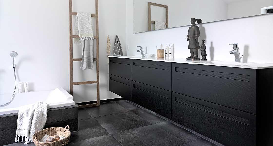 Snygg svart kommod b a t h r o o m & s a u n a bathroom