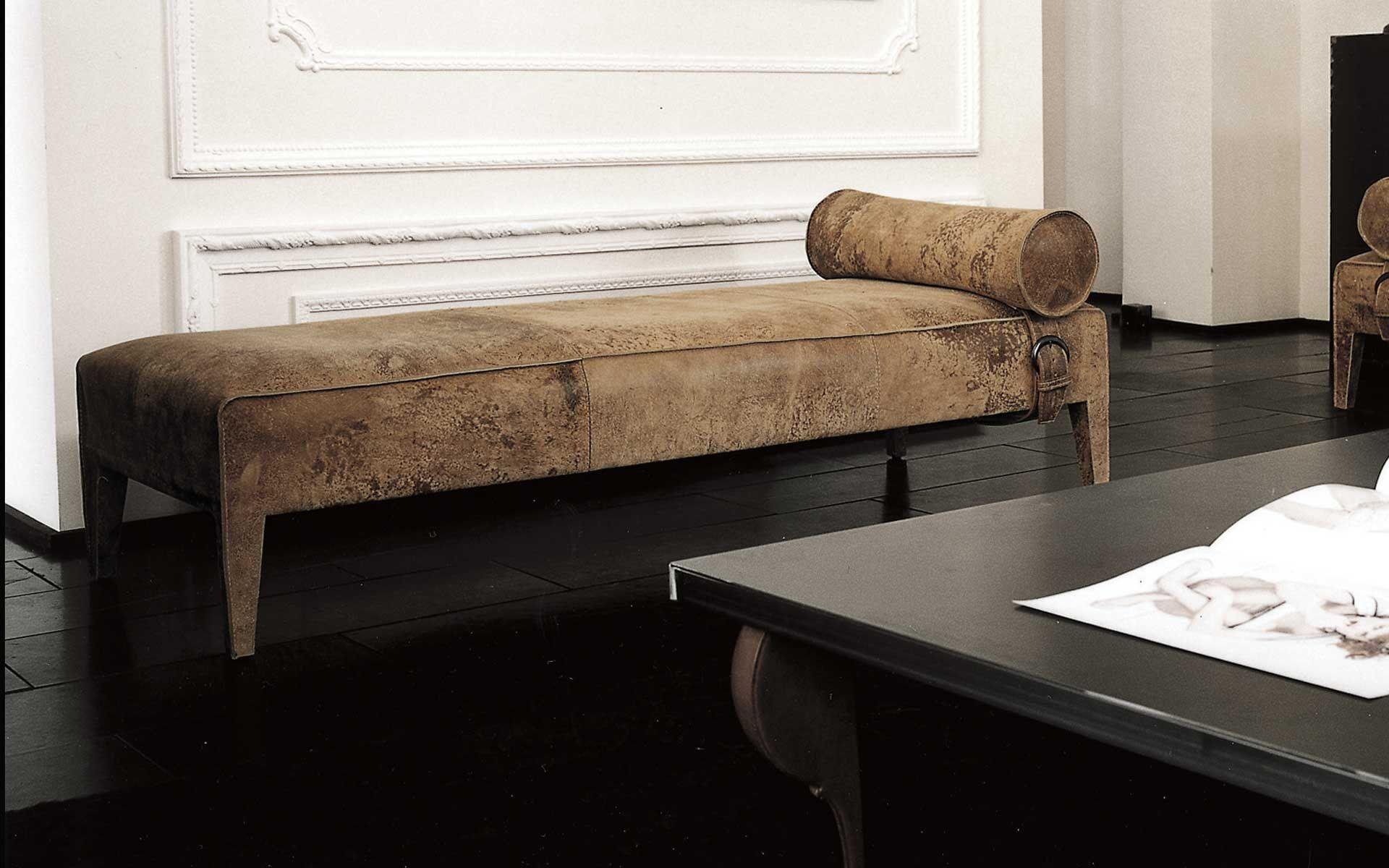 Long chaise Baxter FREUD zastupuje Stokist