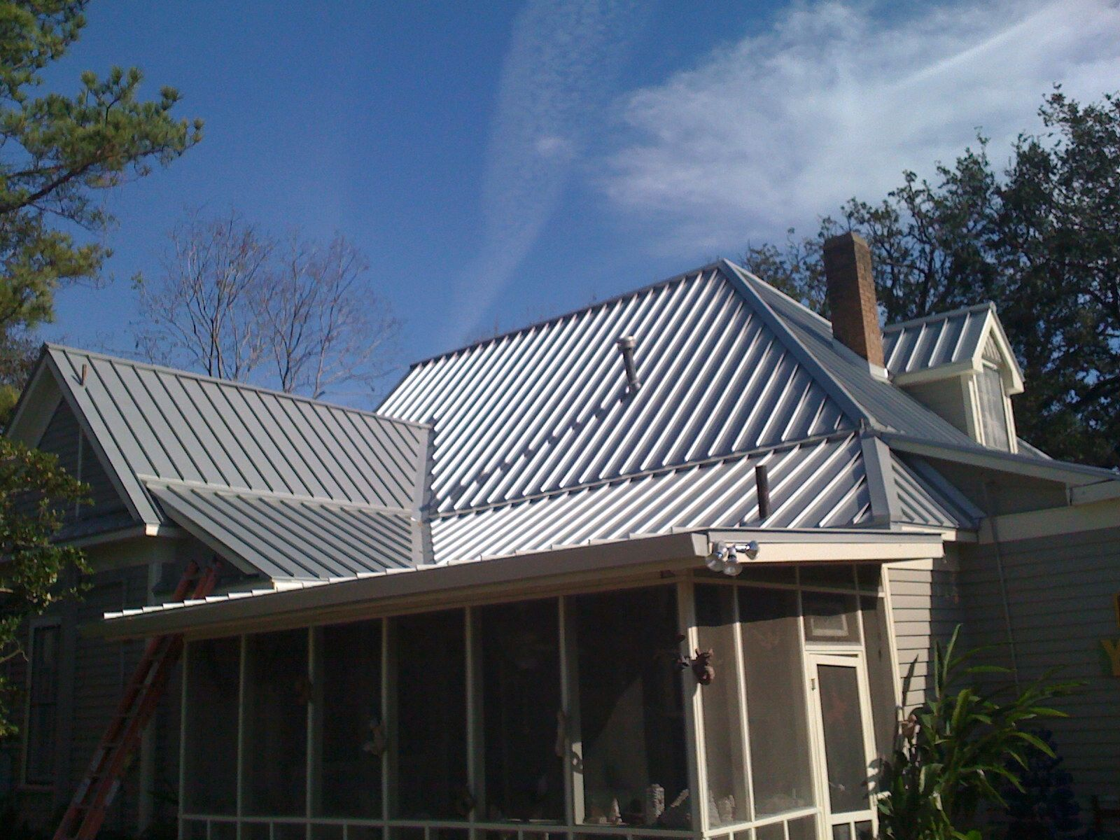 24 Gauge Silver Metallic Standing Seam Metal Roof Historical Home In  Houston The Heights Texas