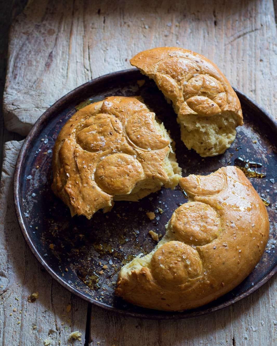 Semolina bread with aniseed & sesame
