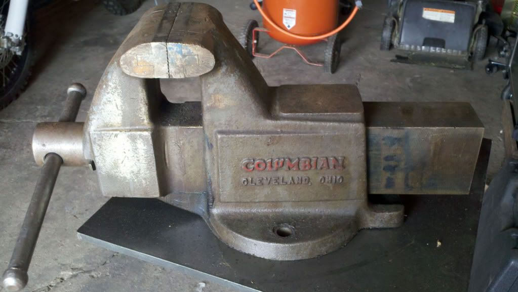 Columbian Mechanics Bench Vise Made In Cleveland Ohio