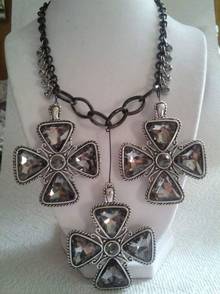 Jeweled Elegance Necklace $40.00