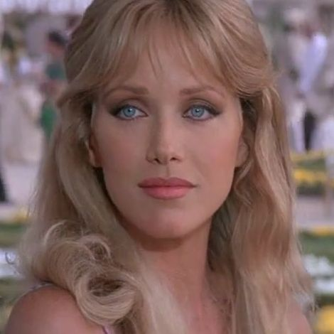 1985 Stacey Sutton Tanya Roberts A View To A Kill Bond Girls