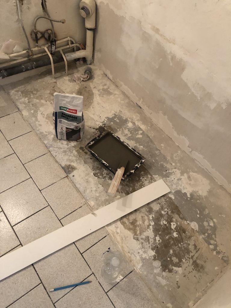 Renovation Salle De Bain Footdeco En 2020 Renovation Salle De Bain Salle De Bain Toilette Suspendu