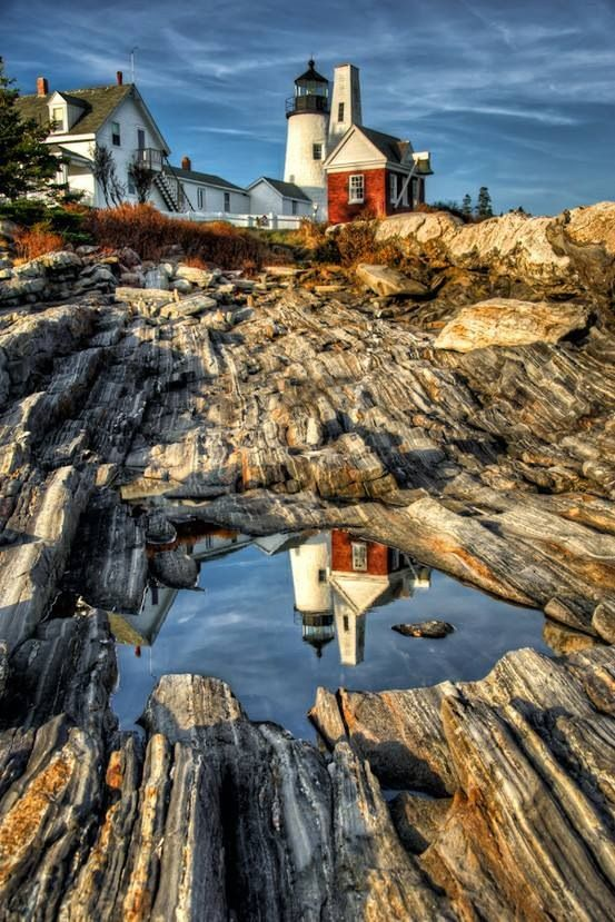 This is Pemaquid Point Lighthouse, every summer I used to dig around in these tide pools <3