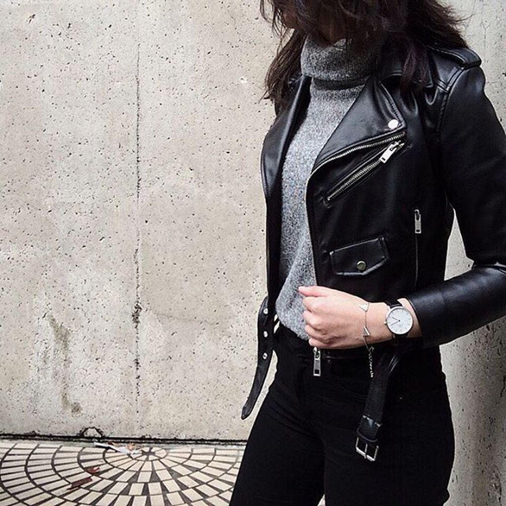 41 Trending Black Leather Women Jacket Outfits Ideas Suitable For Fall - TILEPENDANT #leatherjacketoutfit