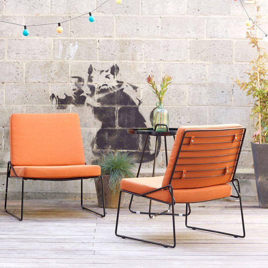 Un salon de jardin en métal et coussin orangé, Tikamoon | Pinterest ...