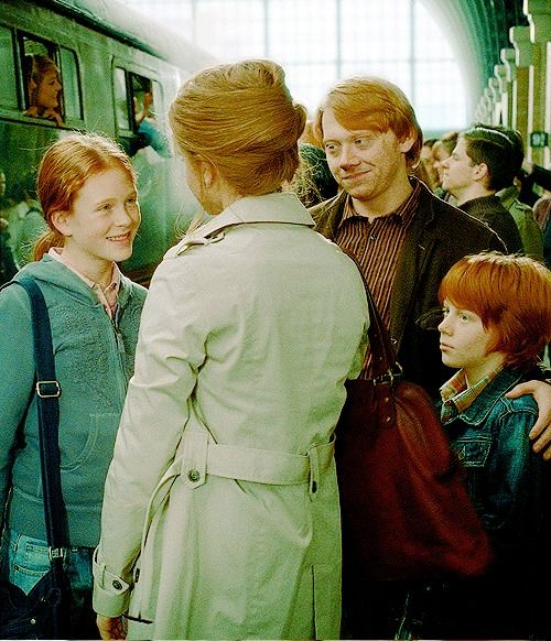 Awww weasley fam story of my life movies i love - Hermione granger and ron weasley kids ...