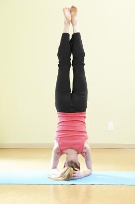 benefits of headstands  livestrong  cool yoga poses
