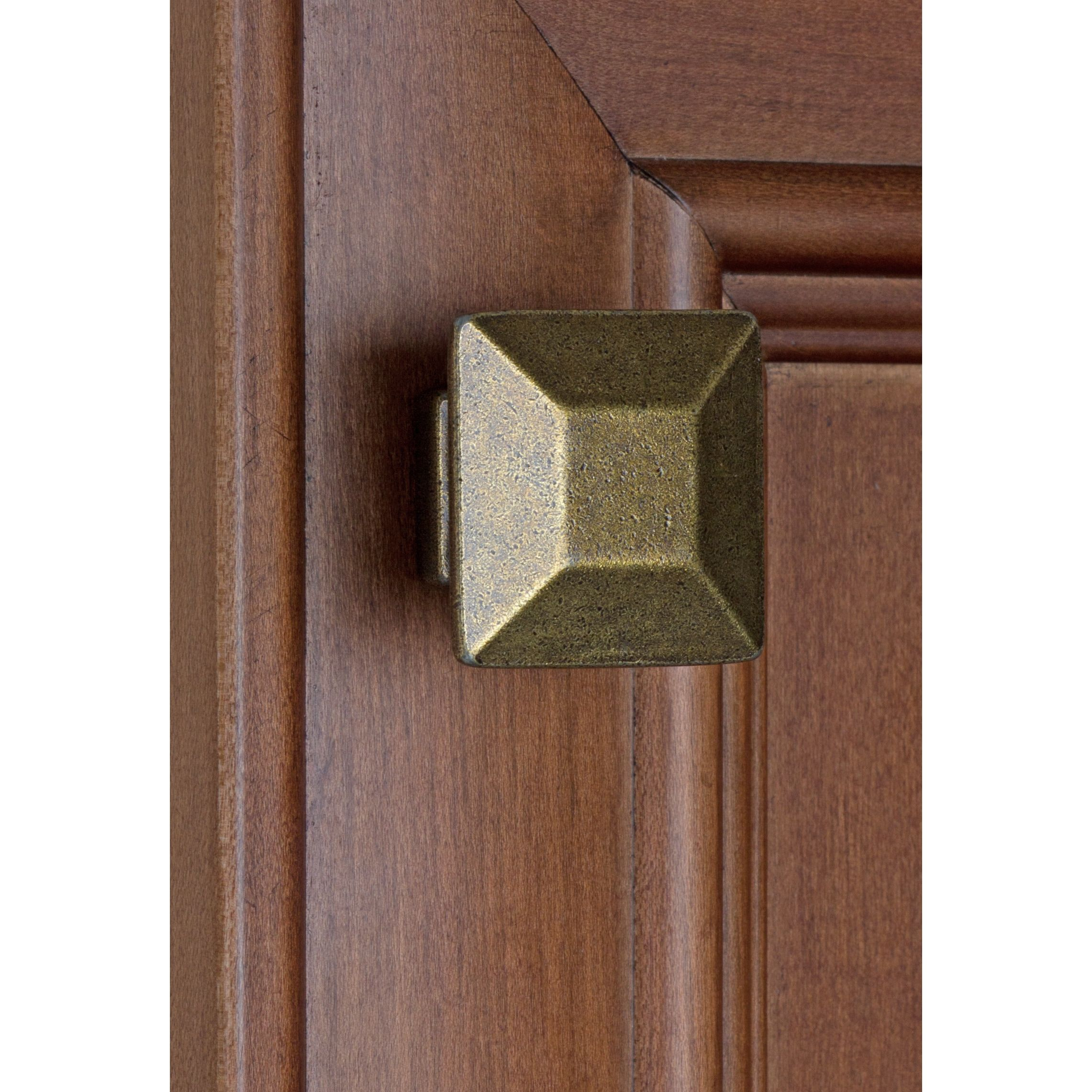21 for 10 GlideRite 1 375 inch Antique Brass Square Cabinet Knobs