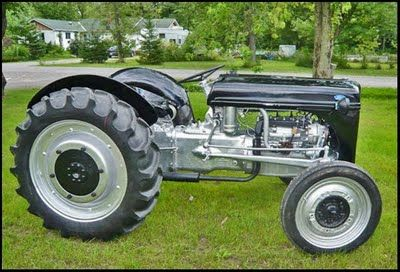 9n Ford Tractor >> Old Ford 9n Tractor Wish I Could Fix Ours Up Like This If I