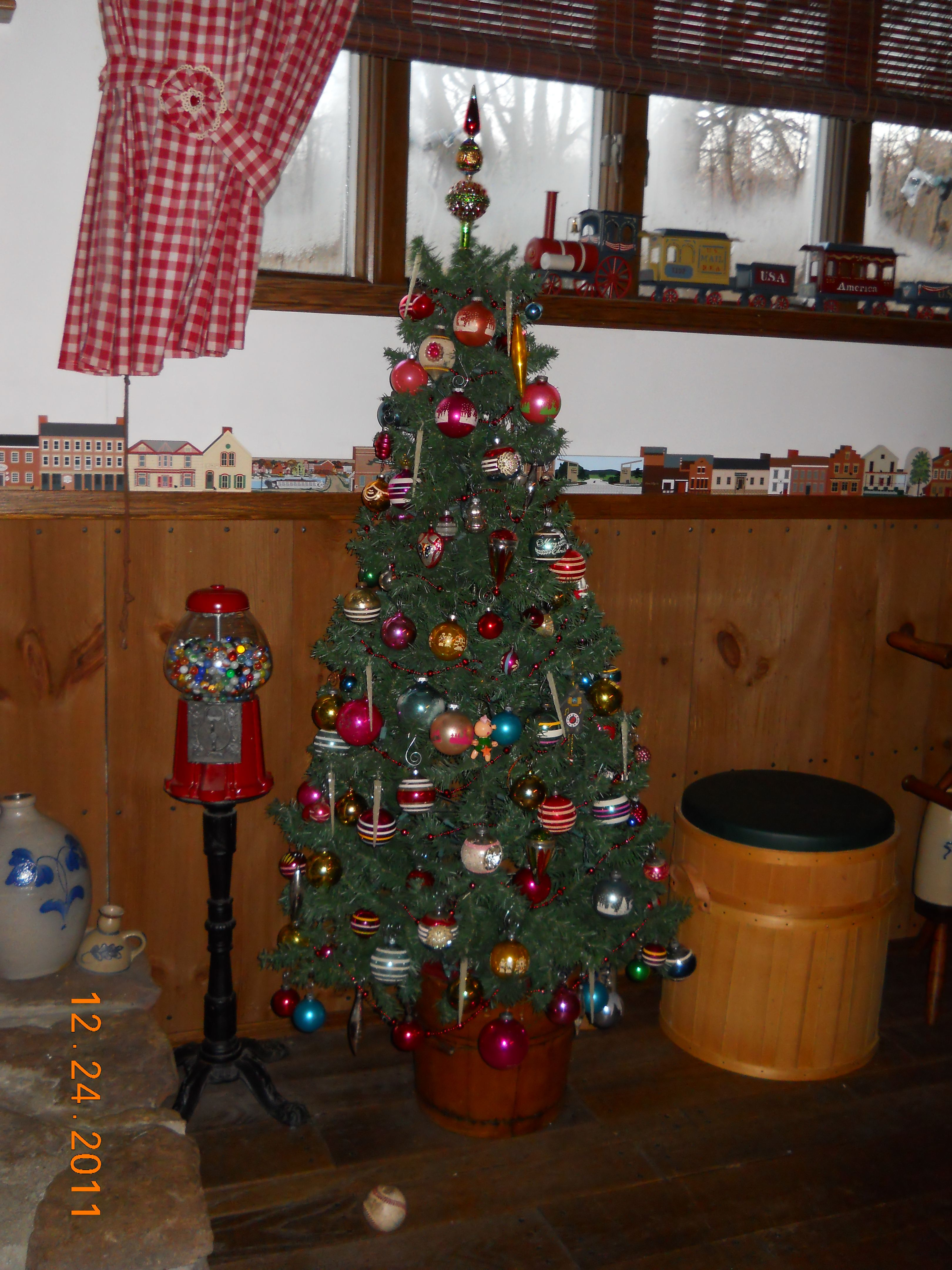 aunt emma s ornaments 2011 Christmas Decorating Pinterest