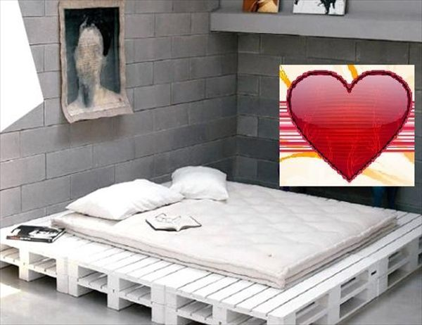 Inexpensive Wooden Pallet Bed Frame
