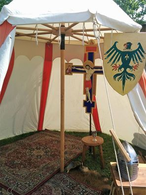 Reenactor 14Th 15th Eraldic, Tent, Religion
