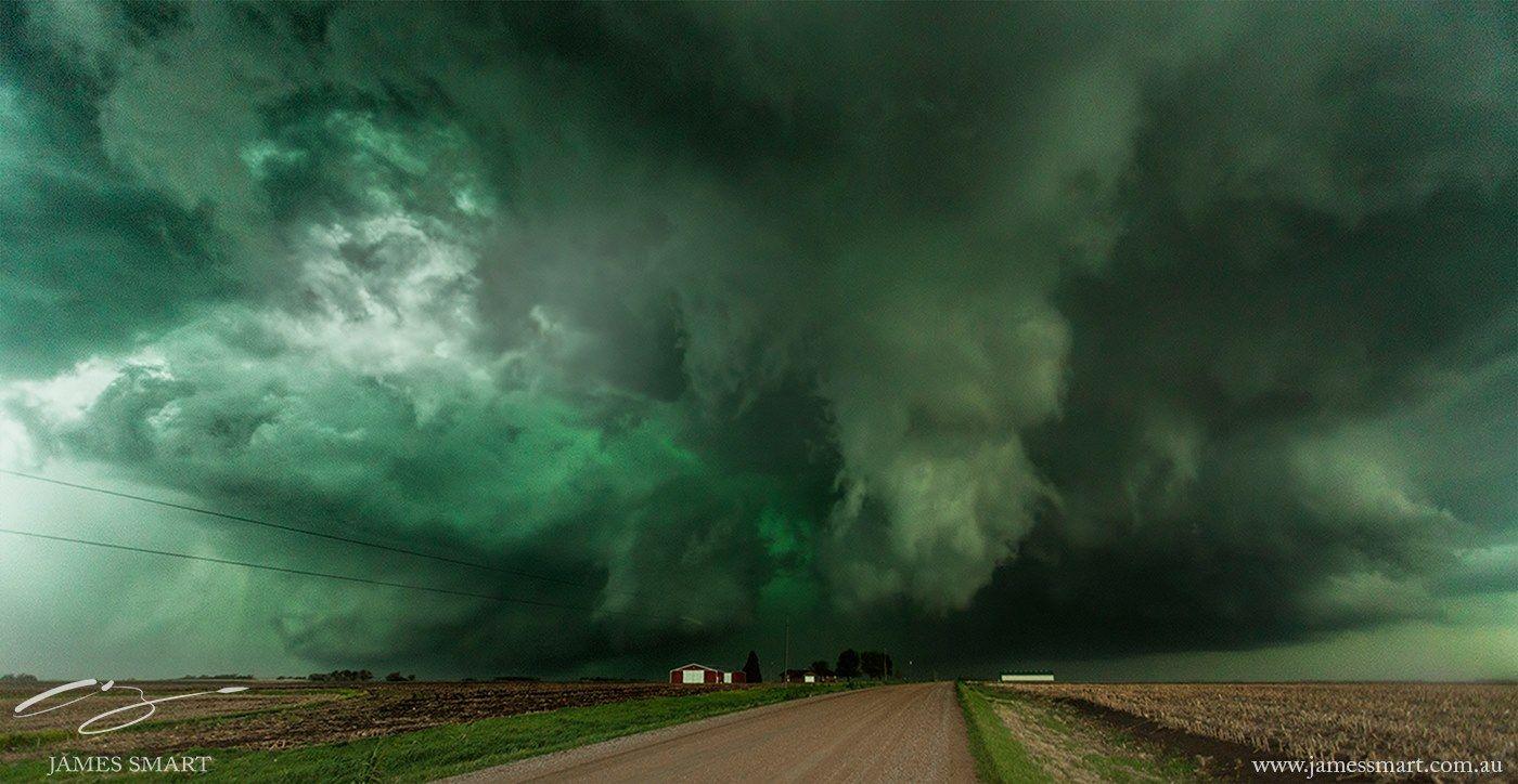 Huge supercell in Nebraska goes green last season. Tornado ...