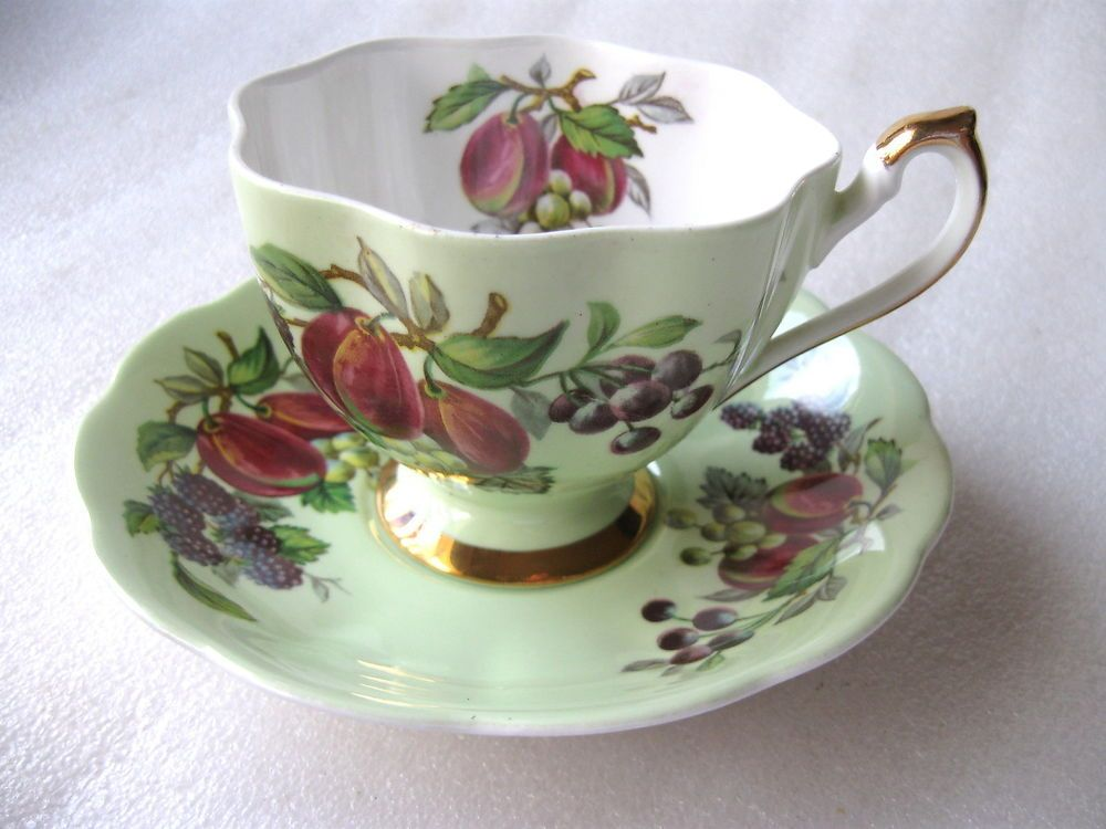 QUEEN ANNE  DUO CUP & SAUCER   FRUIT   over green  Perfect