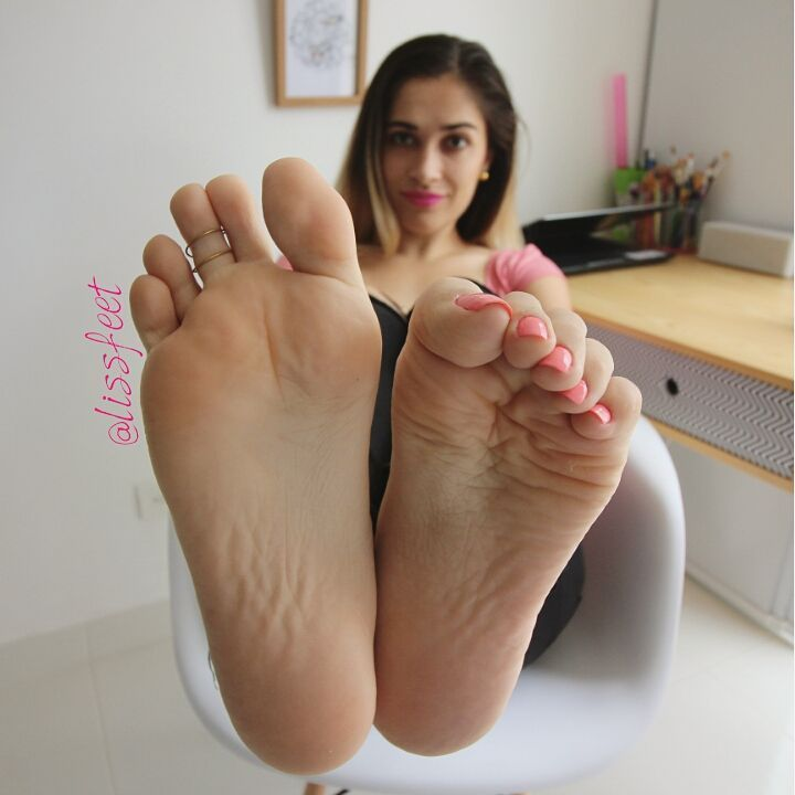 3 661 likes 92 comments for lovers of perfect feet for Perfect comment for a picture