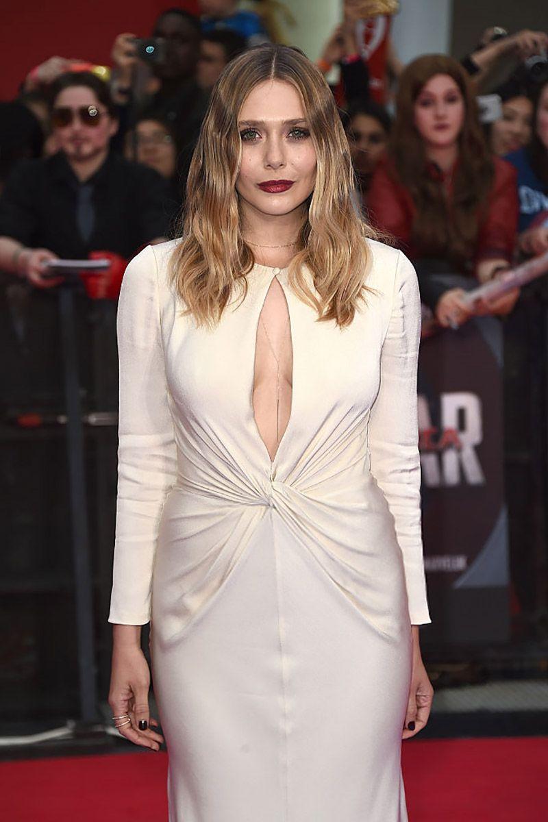 All Eyes Including Chris Evans Were On Elizabeth Olsen During Last Night S Captain A Elizabeth Olsen Elizabeth Olsen Scarlet Witch Captain America Civil War