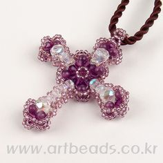 Mais ideias de bijuterias para vocês fazerem.