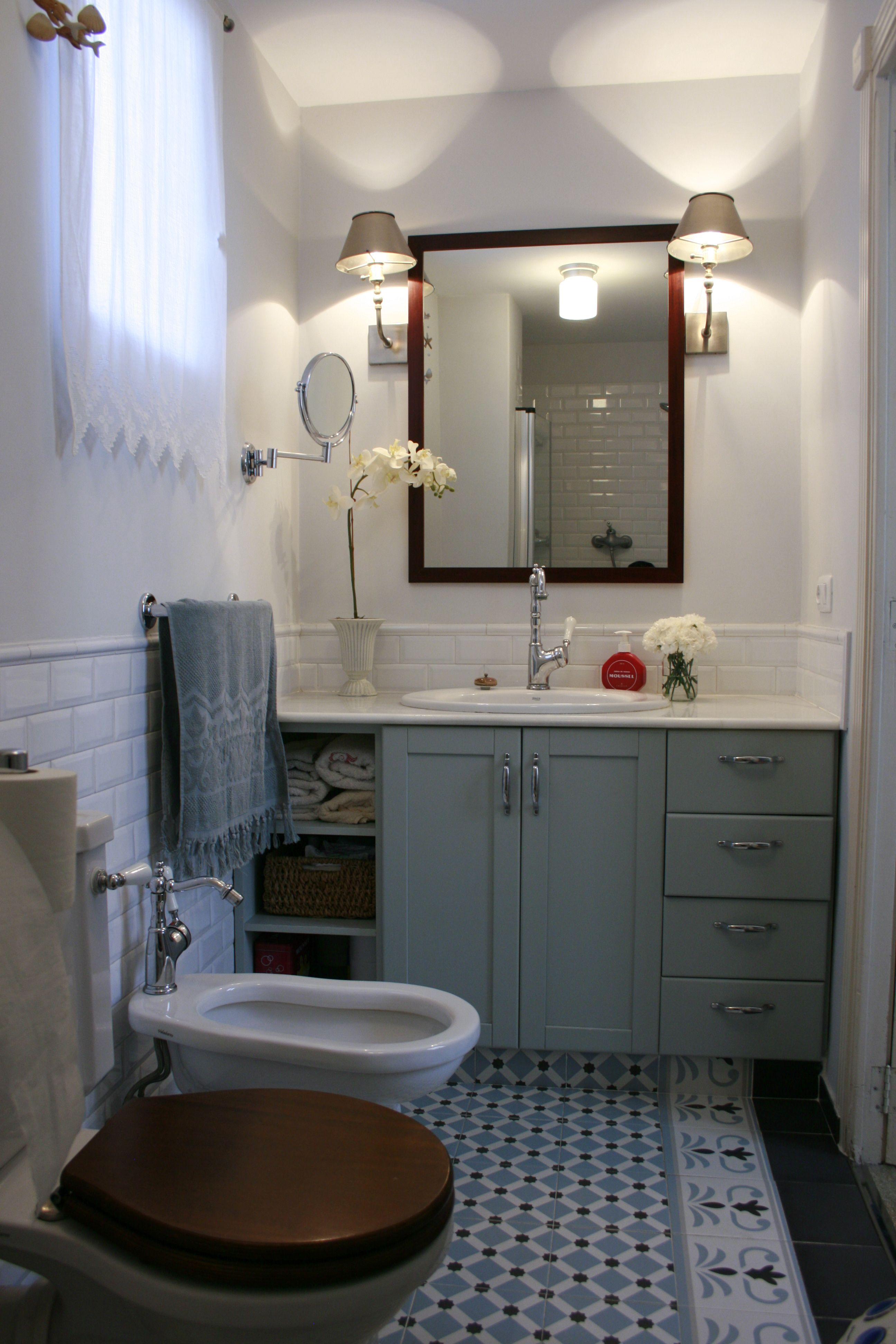 Ideas ba o azulejo hidraulico alicatado solo hasta la mitad de la pared y gardenia estilo - Alicatado banos pequenos ...