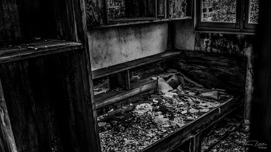 The abandoned french orphanage - www.urbexplayground.com
