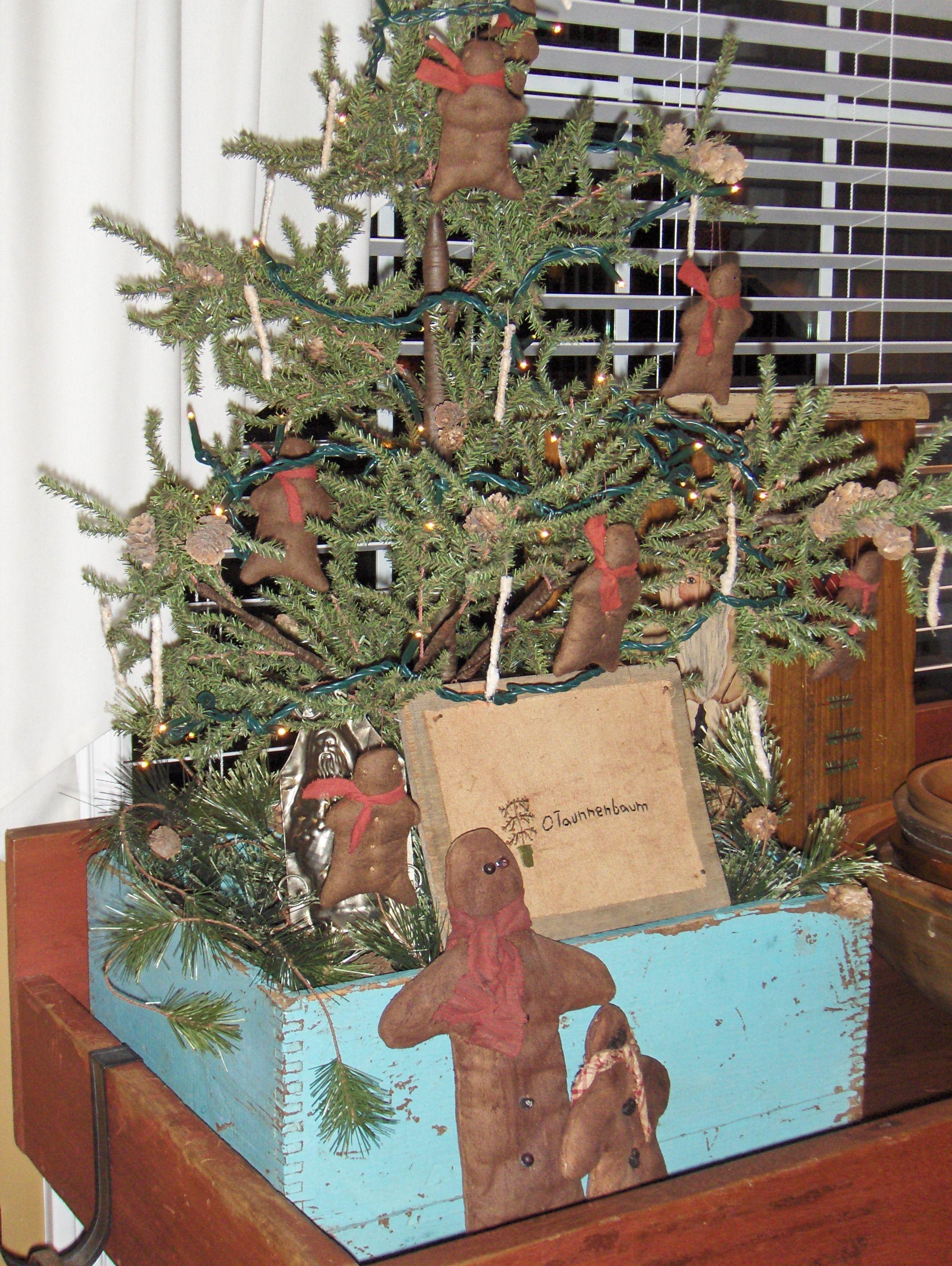 little tree Primitive Christmas