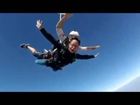 Skydive Dubai Extreme Adventure Over The Palm Thesexytraveler Extreme Adventure Dubai Skydiving