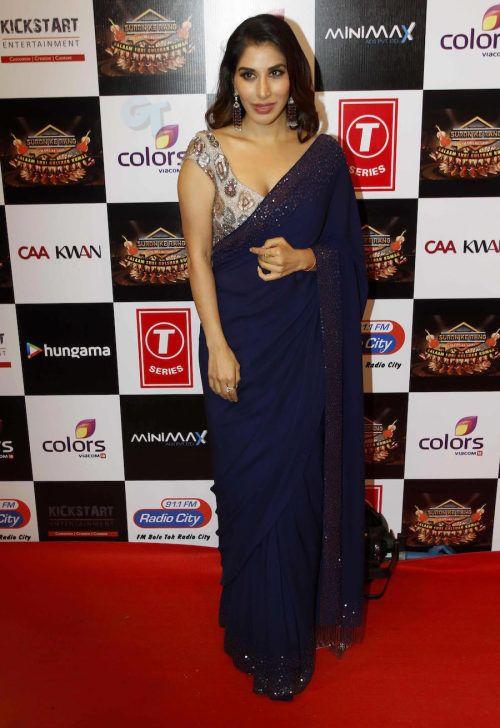 Sophie Choudry at Gulshan Kumar Tribute : This Manish Malhotra saree ...