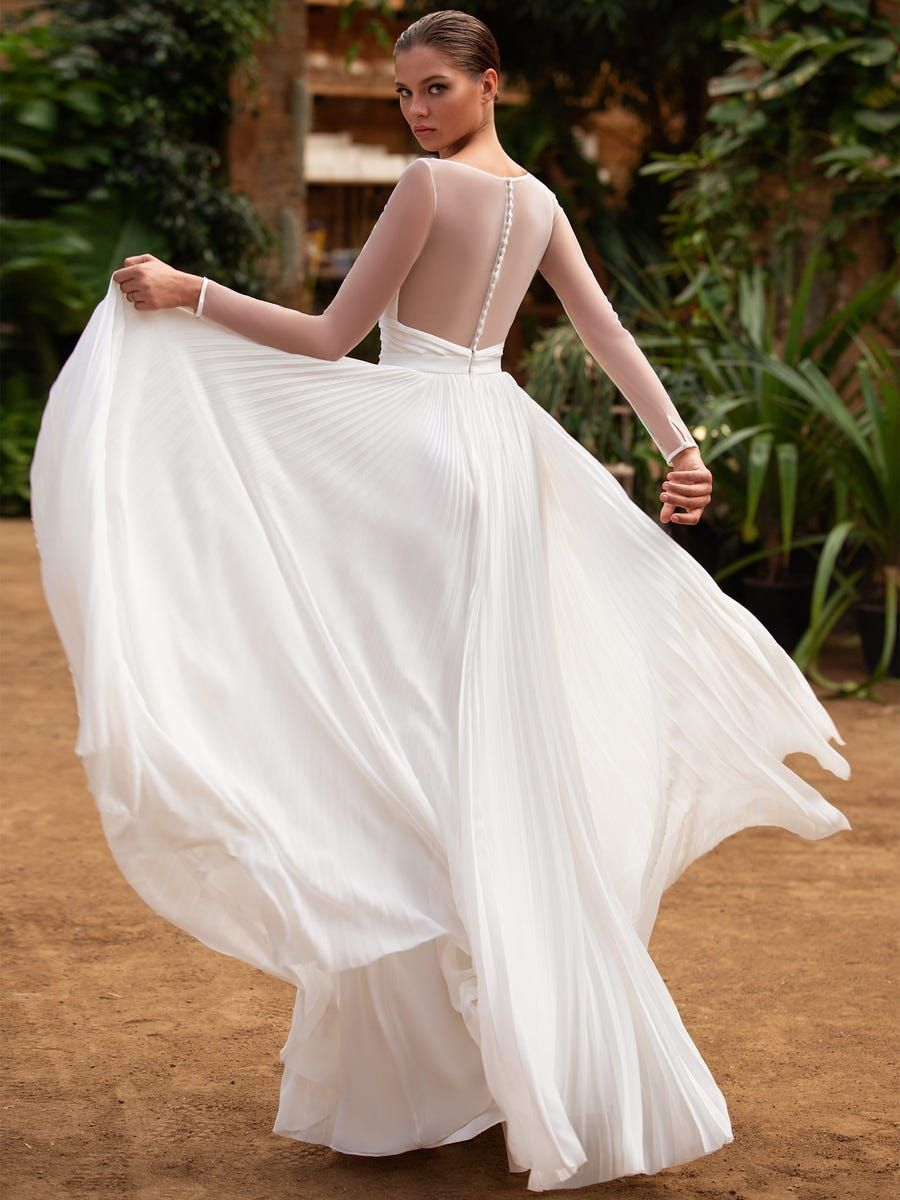 Sheath Wedding Dress With Boat Neck Zac Posen For White One Wedding Dresses Zac Posen Wedding Dress Pleated Wedding Dresses [ jpg ]