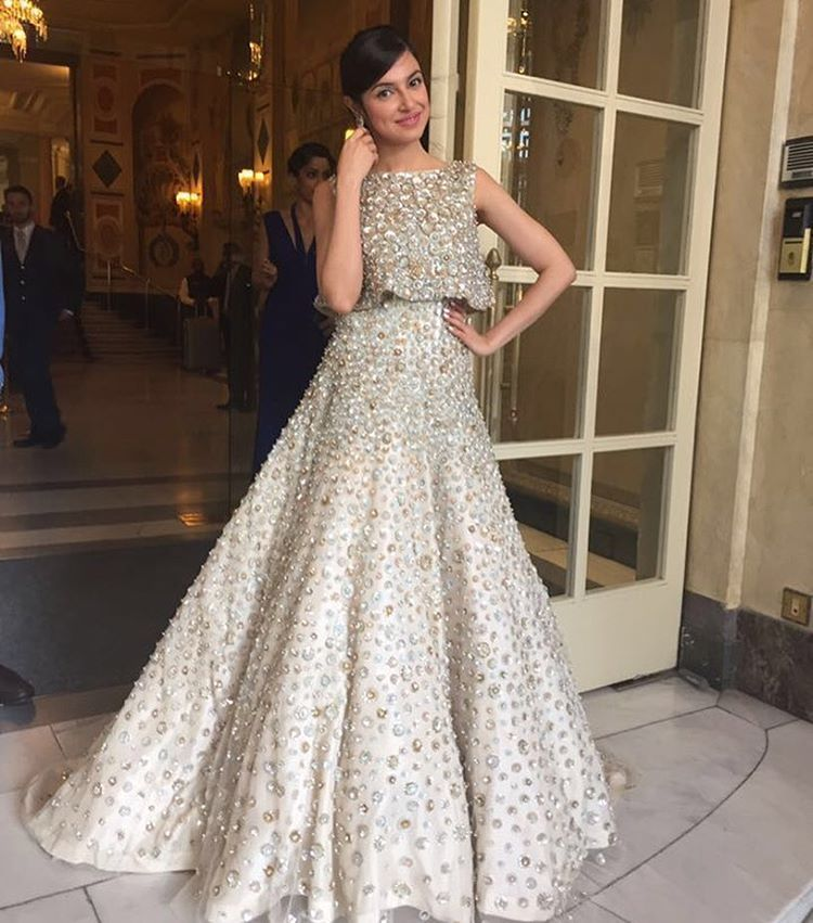 f52984e0ac88 Top 10 Long Evening Dresses Worn By Bollywood Actresses in 2016. Manish  Malhotra Designs
