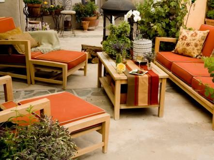 Outdoor furniture can also enhance the earth element by