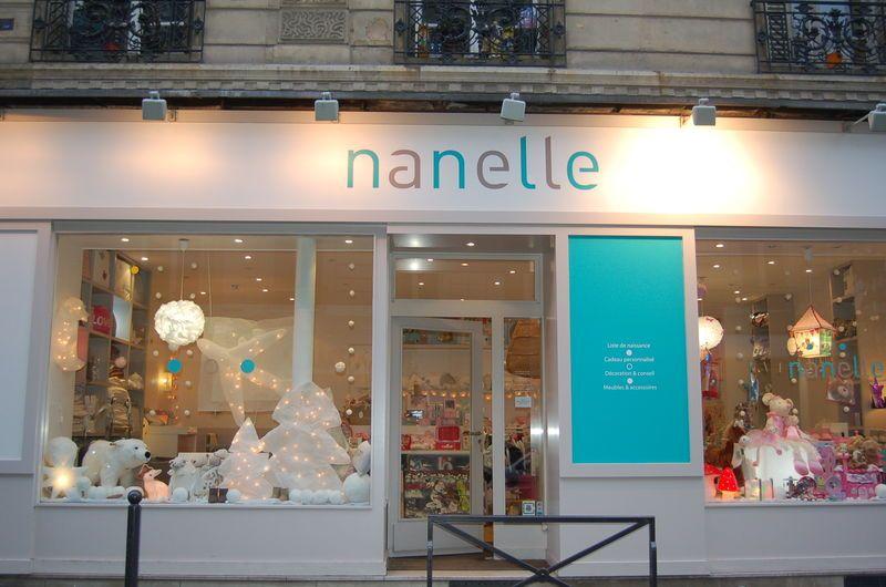 Shop window storefront Nanelle Paris Boutique déco mobilier