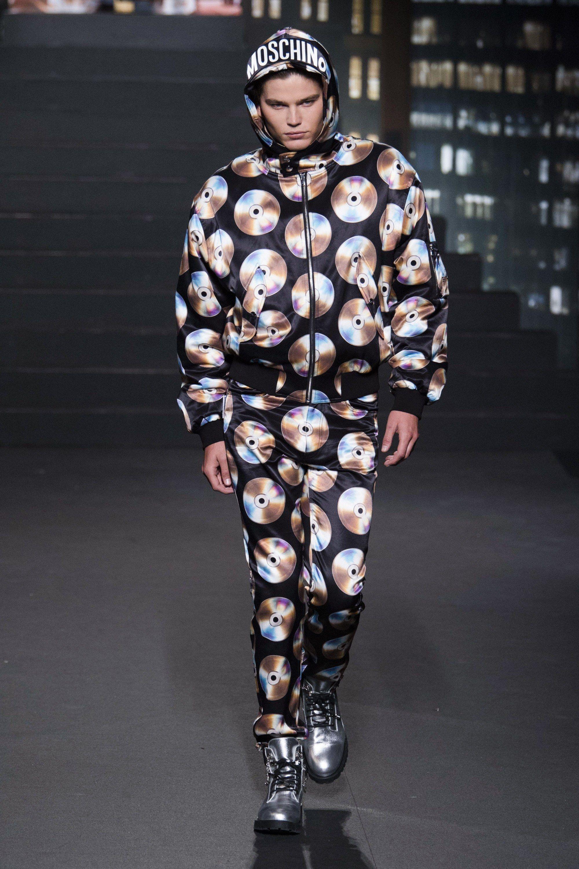 H M x Moschino Spring 2019 Ready-to-Wear Fashion Show in 2019  6cf4f0a8c5f