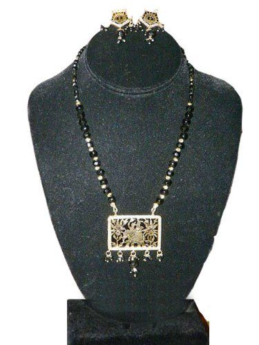 Indian Jewelry Gold Plated Traditional Rajasthani Thewa Necklace Earring 3pc Set Mogul Interior,http://www.amazon.com/dp/B008412JZ6/ref=cm_sw_r_pi_dp_zstmsb1S1SAW4YXG