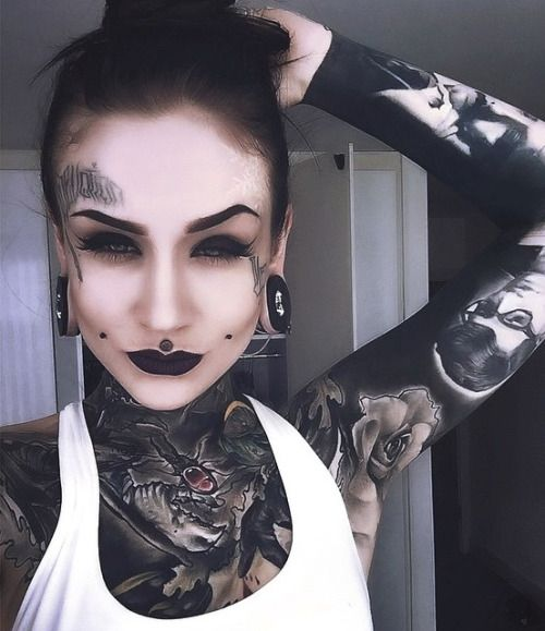 porn with lip tattoos