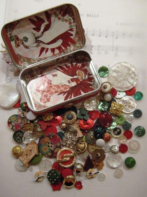 Altoids tin and buttons.