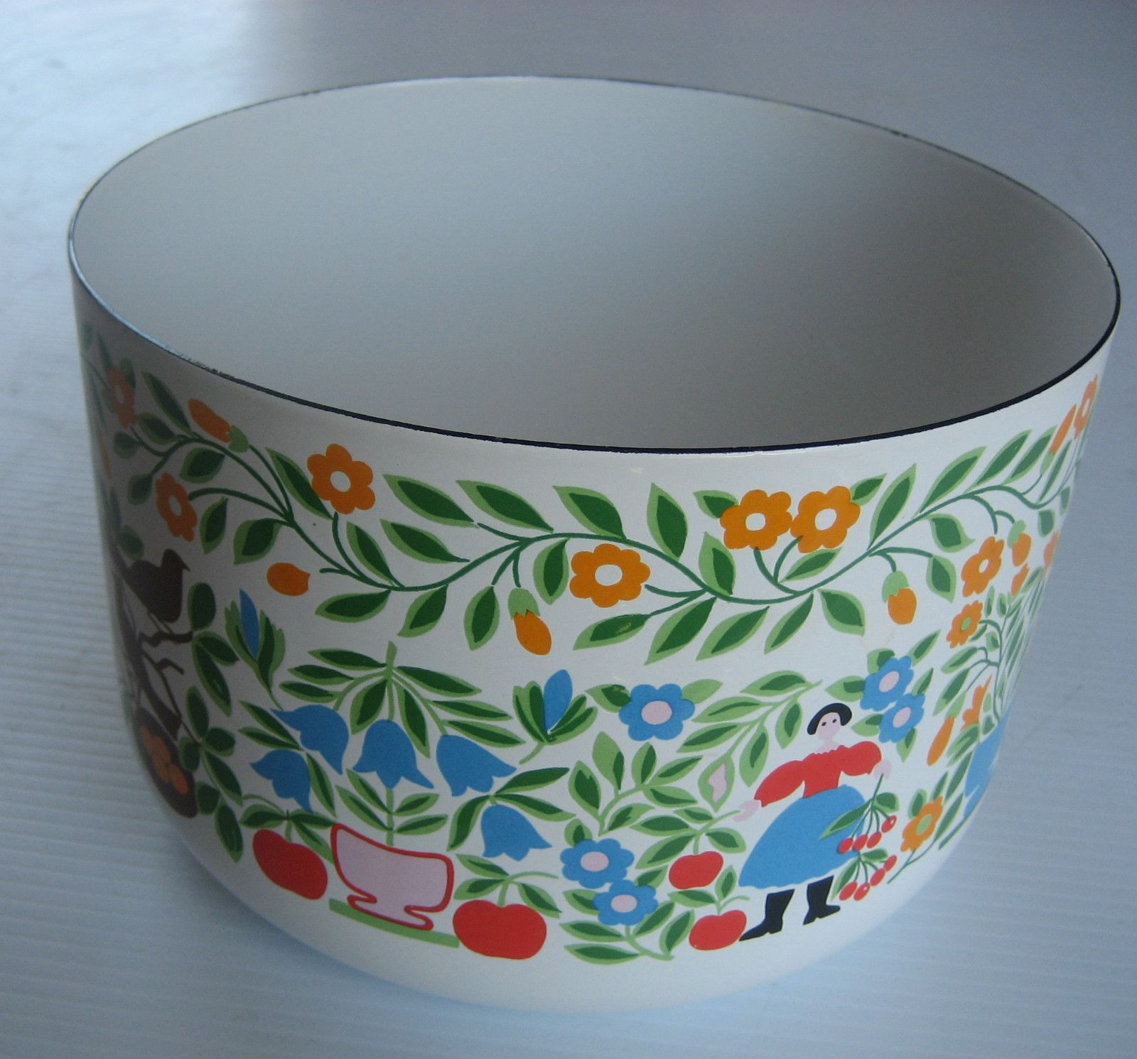 enamel bowl made in Japan